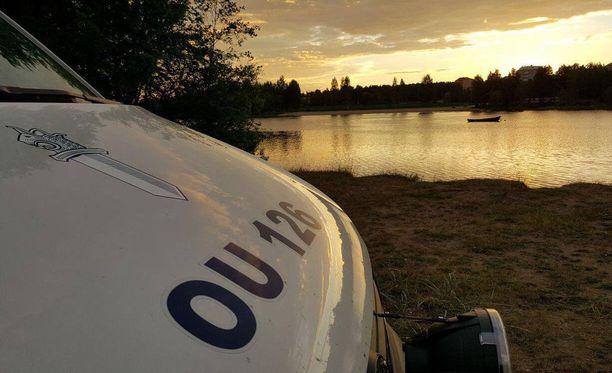 """Oulun poliisilaitoksen """"Henkka"""" kertoo ryhtyneensä miettimään työnsä varjopuolia yön pikkutunteina."""