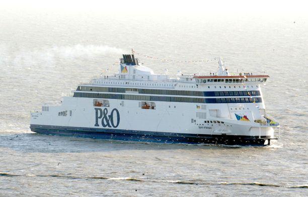 Vuodesta 1837 toiminut lauttayhtiö P&O Ferries siirtää kaikki kanaalin liikenteessä olevat lauttansa Kyproksen lipun alle.