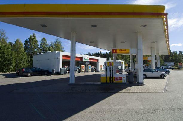 Joku soitti viimeisen puhelun Liisa Mäkikankaalle viimeisen puhelun tältä huoltoasemalta.