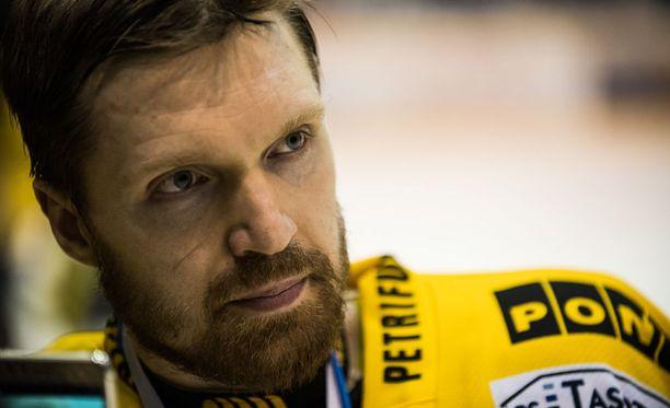Jussi Timonen kipparoi KalPan kaikkien yllätykseksi SM-hopealle.