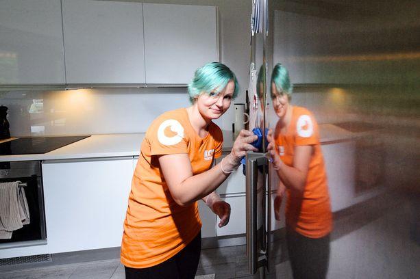 Siivooja tai oikeammin siistijä Noora Pietiläinen näkee työssään monia hyviä puolia.