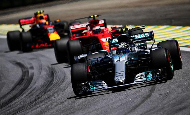 Mercedes, Ferrari, Red Bull...