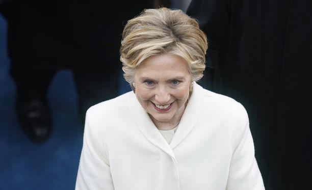 Hillary Clinton päätti hiljaiselonsa pitämällä pitkästä aikaa poliittisia teemoja sivuavan puheen.