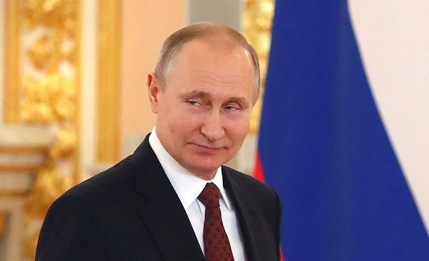 Venäjän presidentti Vladimir Putinin mielestä Yhdysvaltojen, Britannian ja Ranskan Syyriaan lauantaina tekemä isku rikkoi kansainvälisiä lakeja.