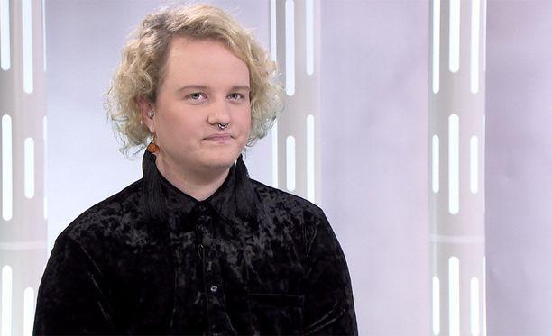Suomi on ainoa Pohjoismaa, jossa transihmiseltä vaaditaan lisääntymiskyvyttömyyttä, jos hän haluaa sukupuolensa vahvistetuksi. Panda Erikssonin mukaan laki kaipaa muutoksia.