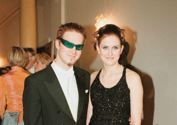 Vuonna 2000 Darude kutsuttiin yhdessä Annika Vuolteen kanssa Linnan juhliin.