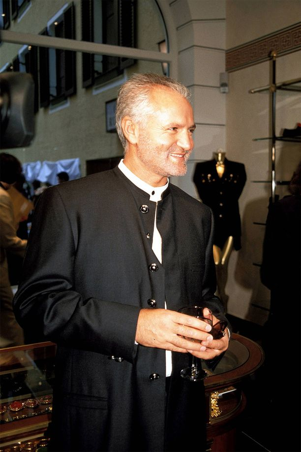 Gianni Versace oli muotitalo Versacen taiteellinen johtaja.