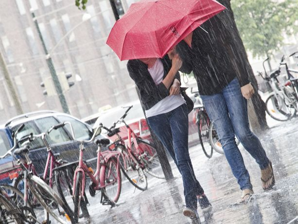Ensi viikolla kannattaa varautua sateisiin ympäri Suomen.