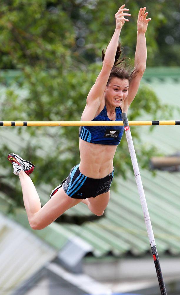 Alina Strömberg nappasi EM-kultaa omalla ennätyksellään.