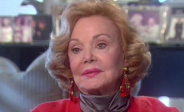 Barbara Sinatra kuoli tiistaina kotonaan Rancho Miragessa, Kaliforniassa.