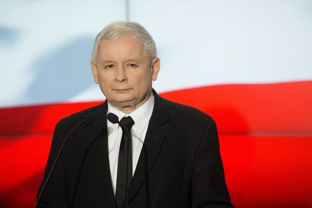Voittajapuolueen puheenjohtaja  julisti puolueensa voittajaksi jo sunnuntai-iltana.