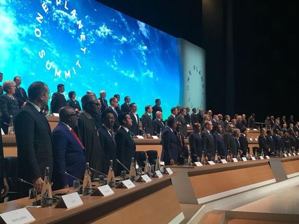 """Vaikka Ranskan presidentti Emmanuel Macron on lanseerannut ilmastonmuutoksen torjumiseksi trumpmaisen sloganin: """"Let's make the planet great again, Yhdysvallat ei silti Pariisin huippukokoukseen osallistunut."""