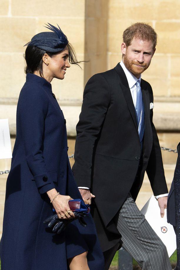 Herttuatar Meghanin vatsanseutu on tarkkailun alla.