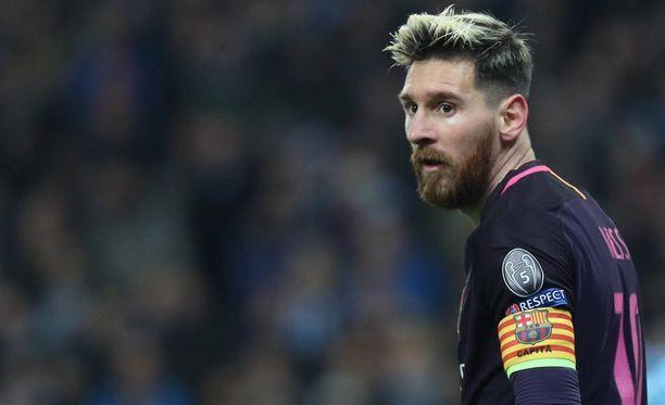 Leo Messi uhkaa jättää Barcelonan.