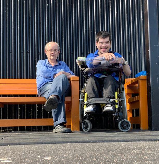 Pertti Felin on ollut poikansa Askon kanssa päivittäin 40 vuoden ajan. Koronakaranteeni erotti kaksikon toisistaan.