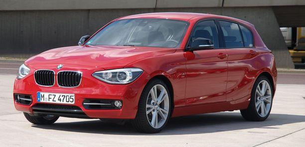 Perheautojen kärki alle 50 000 ajettujen luokassa: BMW 1-sarja (2011).