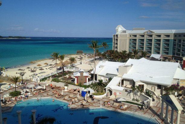 Tässä lomaparatiisissa Bahamalla Katie ja Kieran sanoivat tahdon.