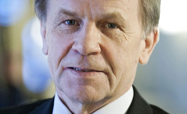Elinkeinoministeri Mauri Pekkarinen jättää seuraajalleen yhden keskeneräisen ja kaksi luvan saanutta ydinvoimaloiden projektia.