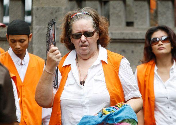 Isoäiti istuu Balin Kerobokan vankilassa odottamassa tuomiotaan.