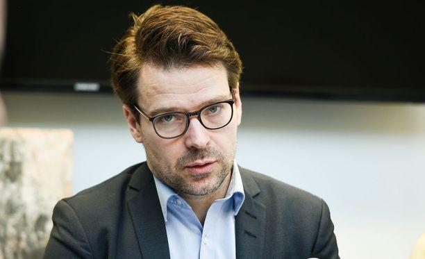 Vihreiden väistyvä puheenjohtaja Ville Niinistö otti kantaa hallituskriisiin myös Twitterissä.