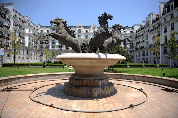Tianduchengista piti tulla ylellinen asuinalue 10 000 asukkaalle. Se on kuitenkin melkoisen autio.