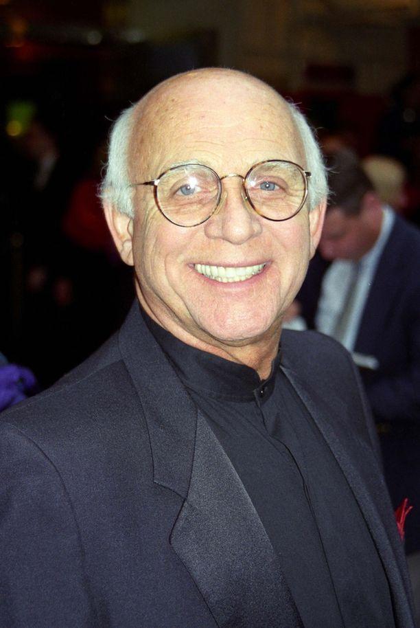 Gavin MacLeod voi hyvin ja elää 87-vuotiaana Kalifornian Palms Springsissä.