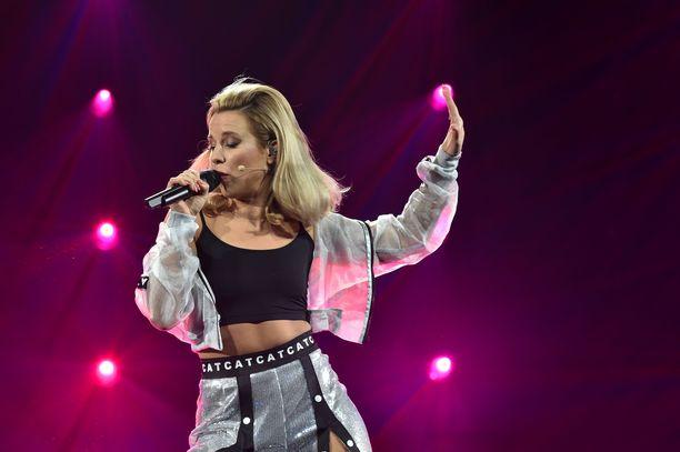 Krista Siegfrids on tullut tutuksi erityisesti Uuden musiikin kilpailusta. Kuva vuoden takaisesta UMK:sta