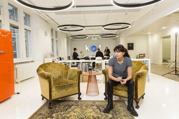 Kirsi Piha on yksi Ellun Kanat -viestintätoimiston omistajista.