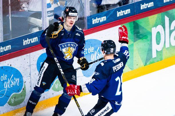 Ville Leskinen teki Suomen avausmaalin 3-0-voitossa.