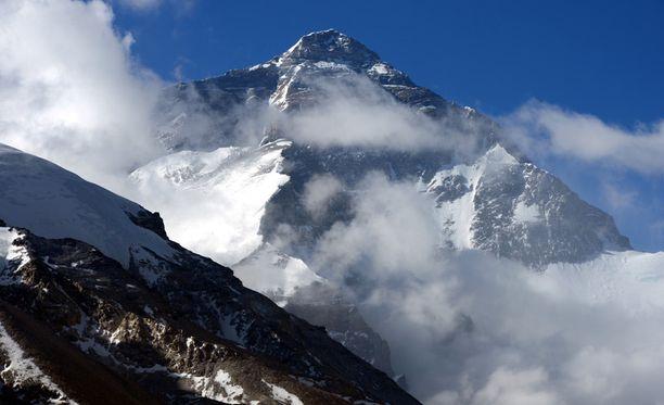 Mount Everest on vaatinut monen valloittajan hengen.