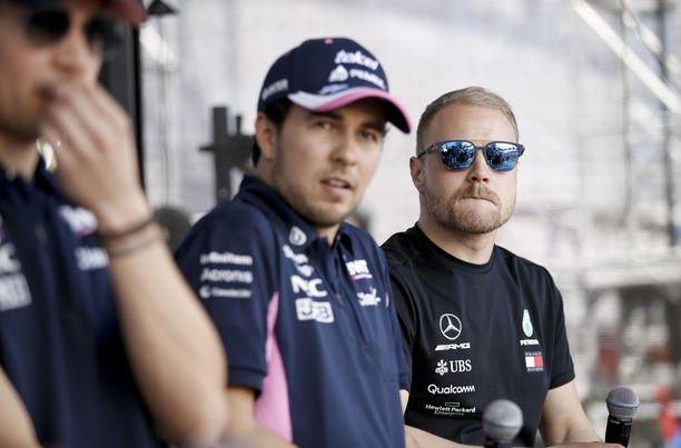 Sergio Pérez (vas.) ja Valtteri Bottas olivat Azerbaidzhanin GP:n suurimmat onnistujat.