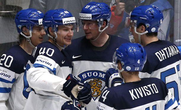 Leijonat juhli Tanskaa vastaan.