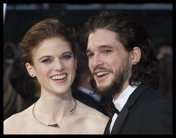 Kit Harington ja Rose Leslie tapasivat suositun Game of Thrones -sarjan kuvauksissa.