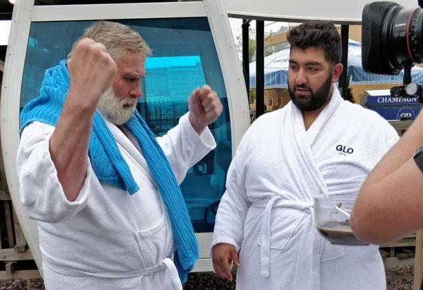 Faisal Kawusi lähti rohkeasti haastamaan Juha Mietoa mämminsyönnissä, mutta Kurikan mämmimaakari oli kokemattomalle haastajalle vielä aivan liian kova pala purtavaksi.