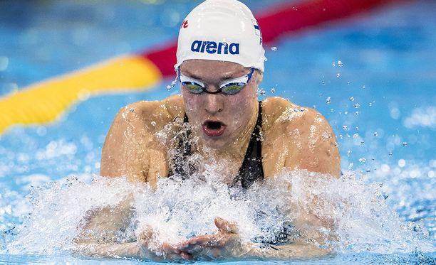 Jenna Laukkanen pääsi 100 metrin sekauinnin EM-finaaliin.