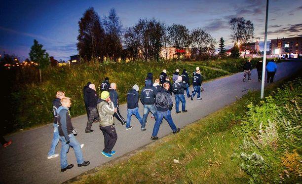 Soldiers of Odin -katupartiointiryhmä Kemissä viime syksynä.