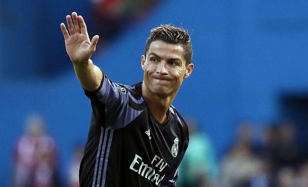 Cristiano Ronaldo julkaisi naisystävästään ensimmäisen yhteiskuvan.
