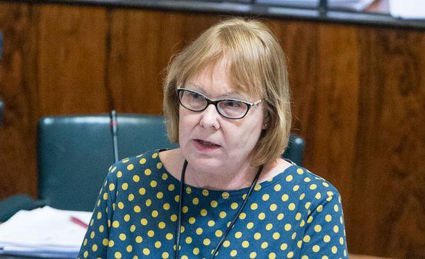 Annika Lapintie eduskunnassa vuonna 2015.