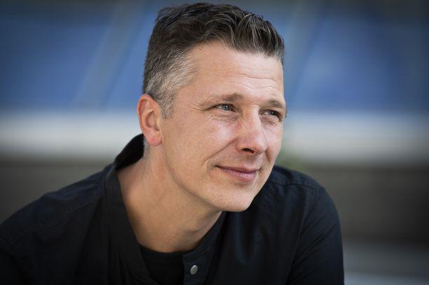 Janne Tulkki haluaa keskittyä perheenisän rooliin.
