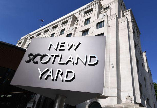 New Scotland Yardin mukaan tyttö on pidätettynä.