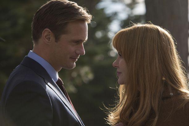Alexander Skarsgård ja Nicole Kidman näyttelevät sarjassa avioparia.