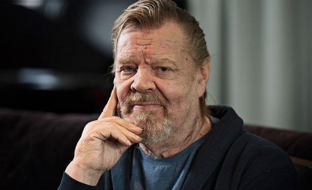 Vesa-Matti Loiri tienasi sievoisasti.