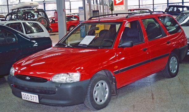 Escort oli suosittu perheauto ja erittäin suosittu ralliauto Suomessa. Kuvassa 95-mallinen Escort.