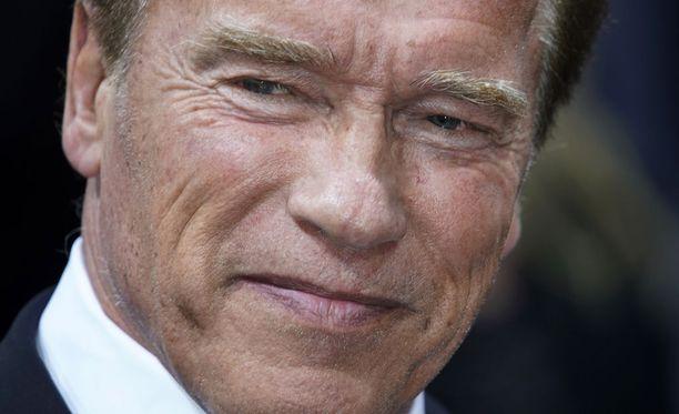 Arnold Schwarzeneggerin edustajan mukaan näyttelijän tila on tällä hetkellä vakaa. Kuvassa Schwarzenegger marraskuussa 2017.