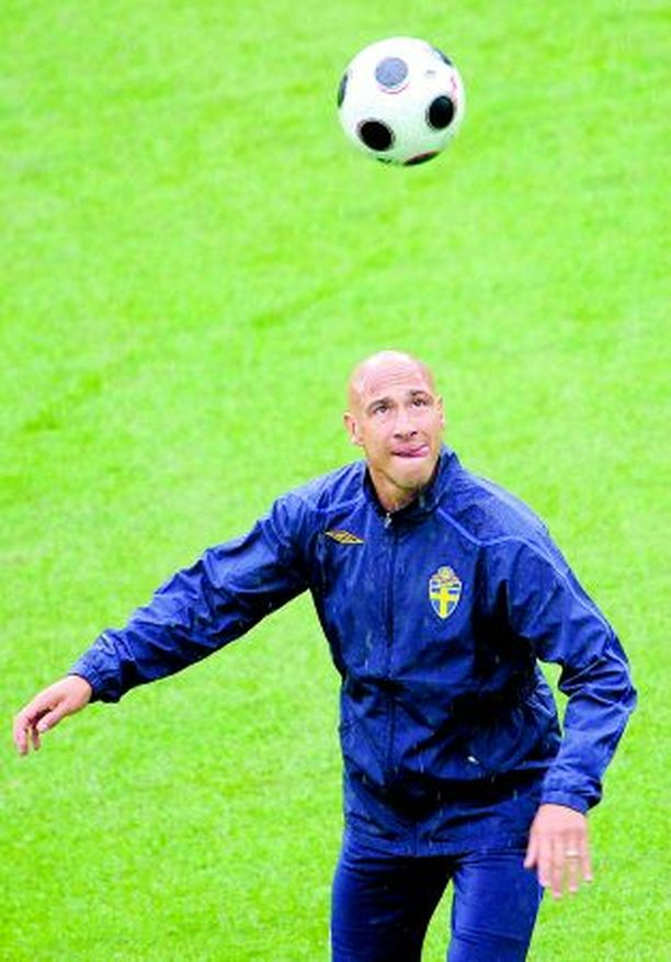 Ruotsalaisen futisikonin Henrik Larssonin maajoukkueura saattaa päättyä Venäjä-otteluun.