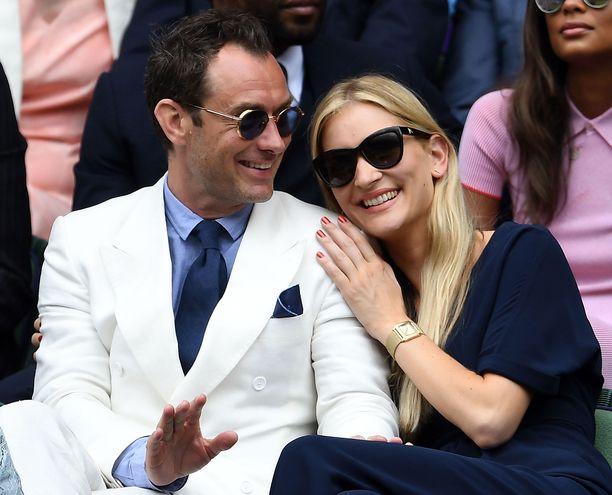 Jude Law ja Phillipa Coan ovat pitäneet yhtä reilut neljä vuotta.