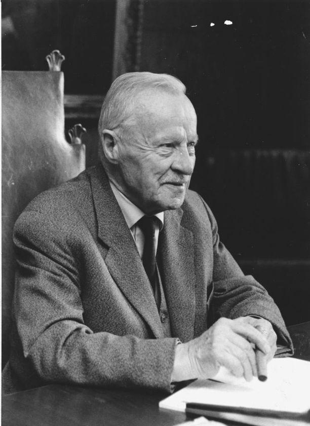 Väinö Tanner vuonna 1966.