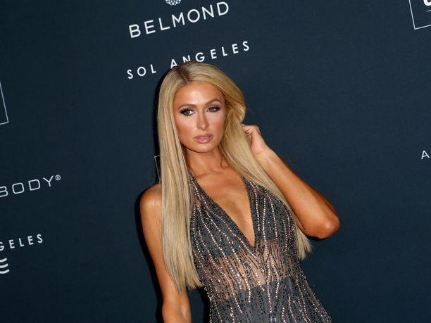 Paris Hilton kuvattuna muutama päivä sitten Hollywoodissa.
