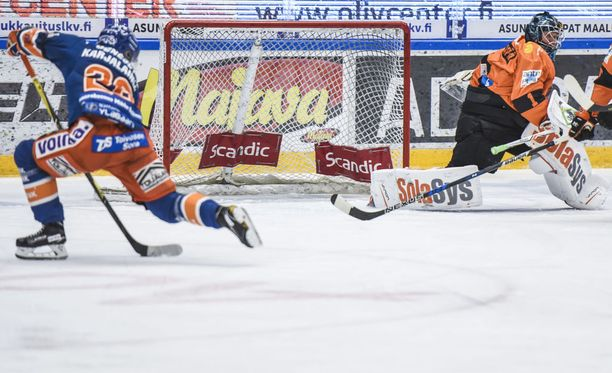 Rightin mies Jere Karjalainen iski Tapparan toisen maalin keskiviikkona KooKoon verkkoon.