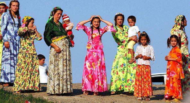 Suurin osa Romanian teiniäideistä on romaneja.